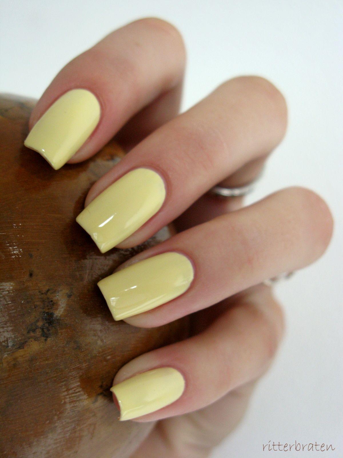 light yellow nails - Recherche Google | Nailed It!!!!! | Pinterest