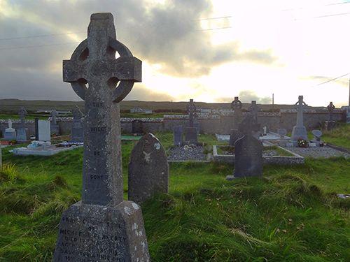 Cemetery near Kilmurvey on the Aran Islands, Ireland via @Shan @ Red Queen Miscellanea Howard Travel!ng