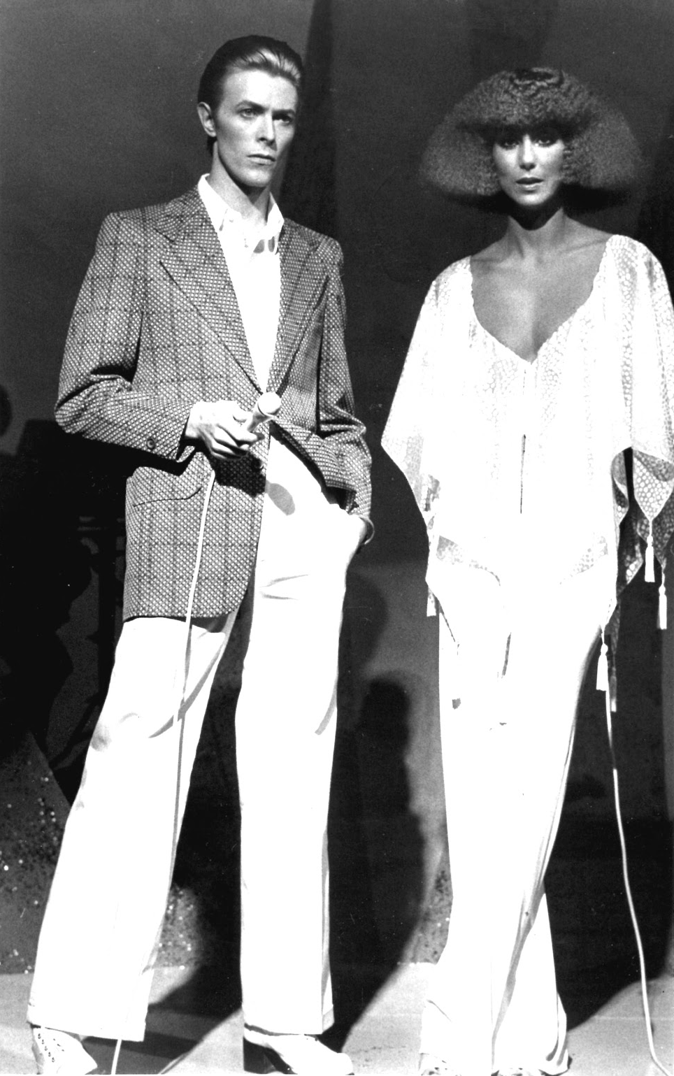 david bowie e cher buddies in 2018 pinterest bowie david and