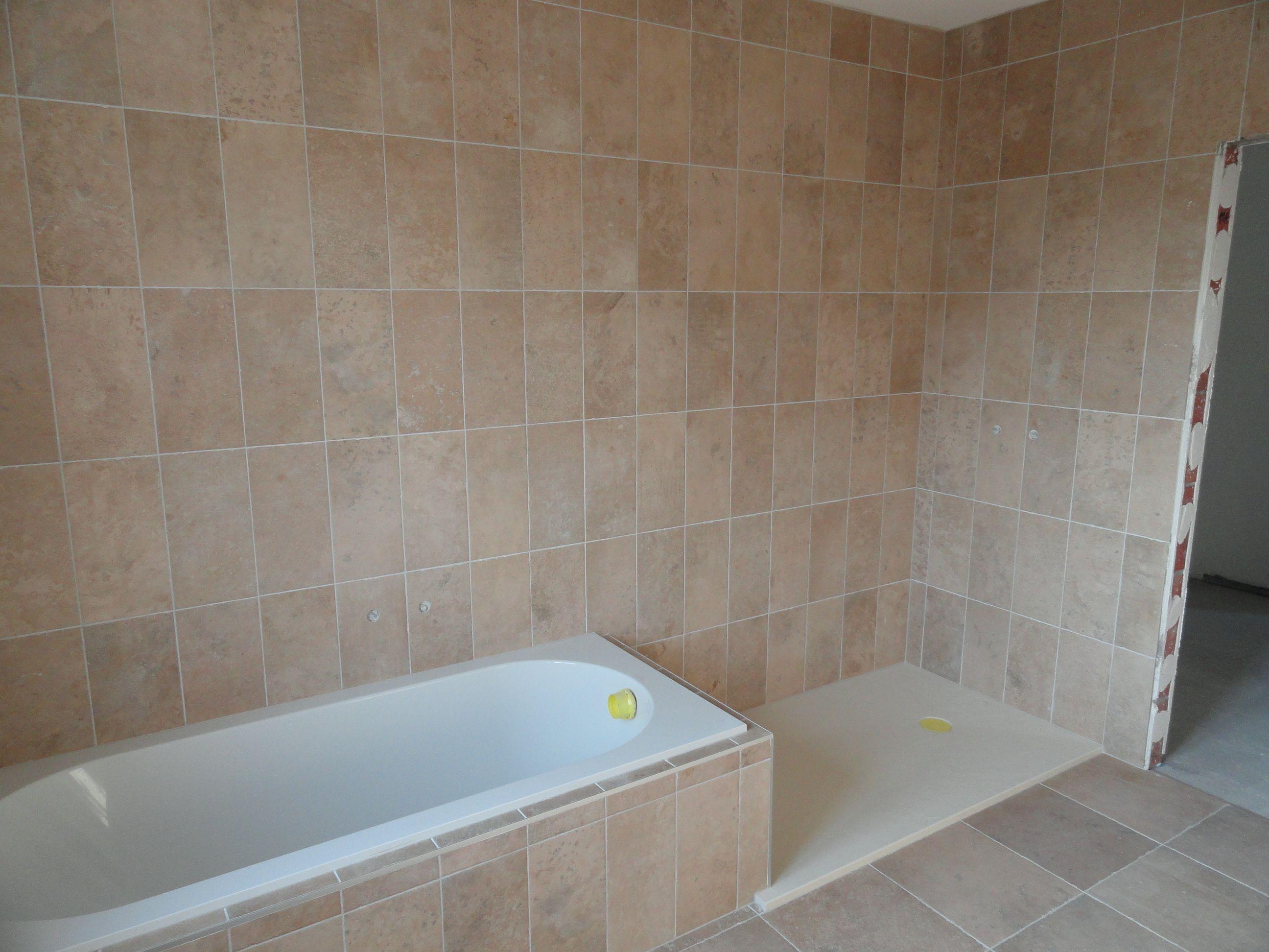 badomkasting douche gerealiseerde vloer en tegelwerken