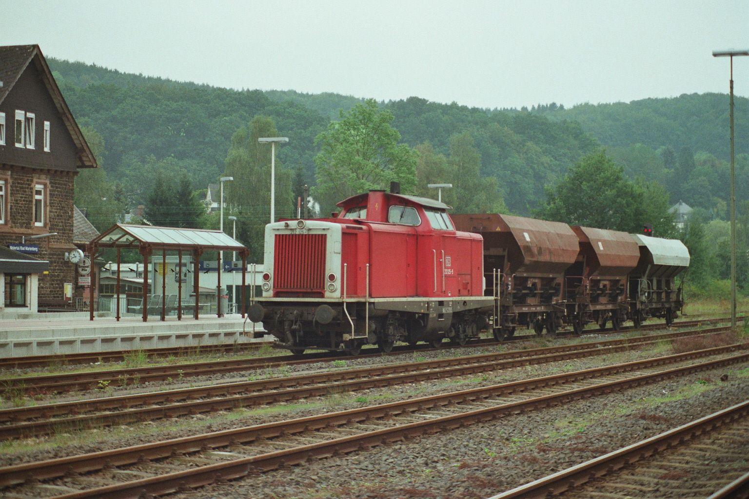 1999.09.20. 212-125 in Bad Marienberg-Erbach auf dem Westerwald mit leeren Schotterwagons