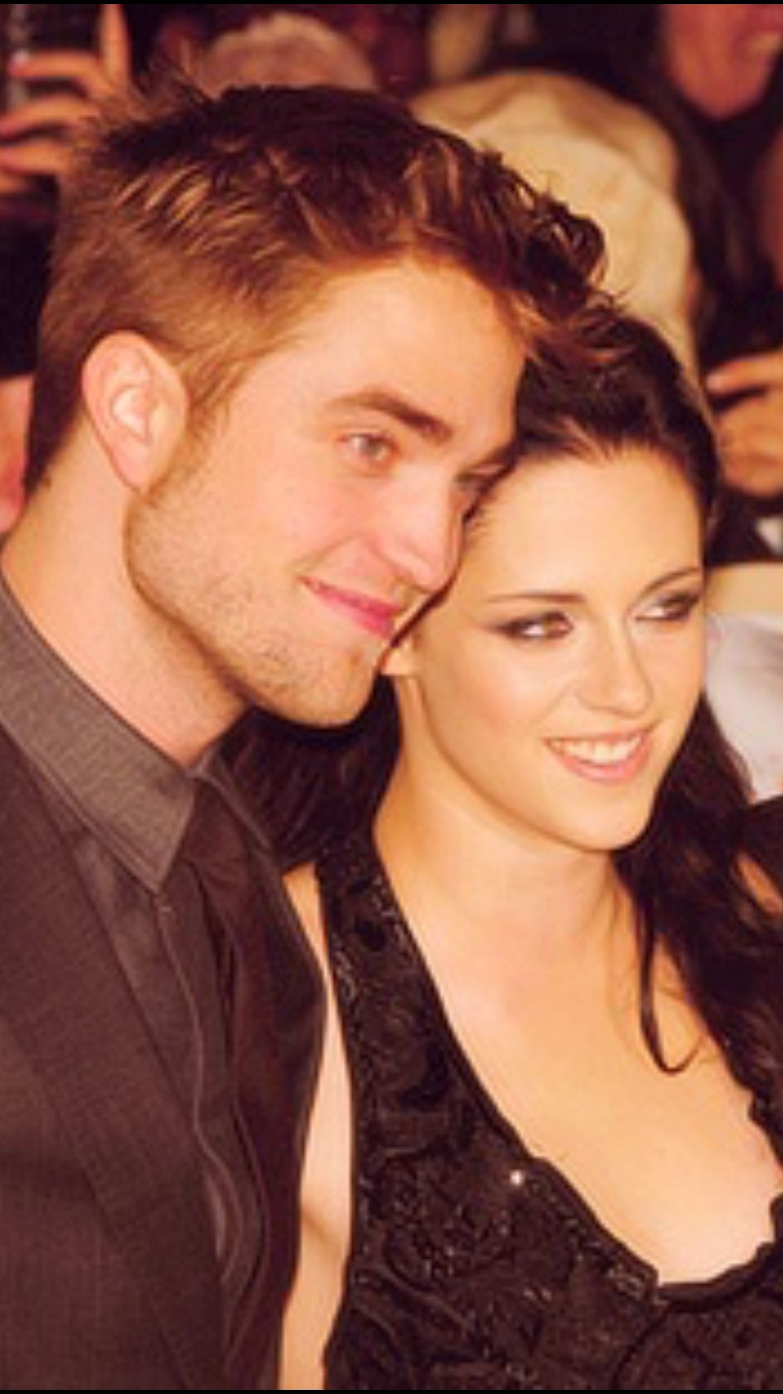 R K At Twilight Premier London Robert Pattinson Robert Pattinson And Kristen Kristen