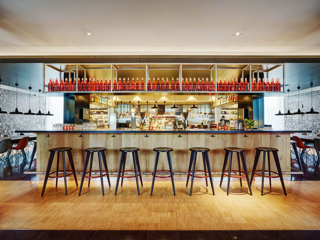 citizenM #Schiphol #design #hotel #architecture #contemporary - design hotel citizenm london