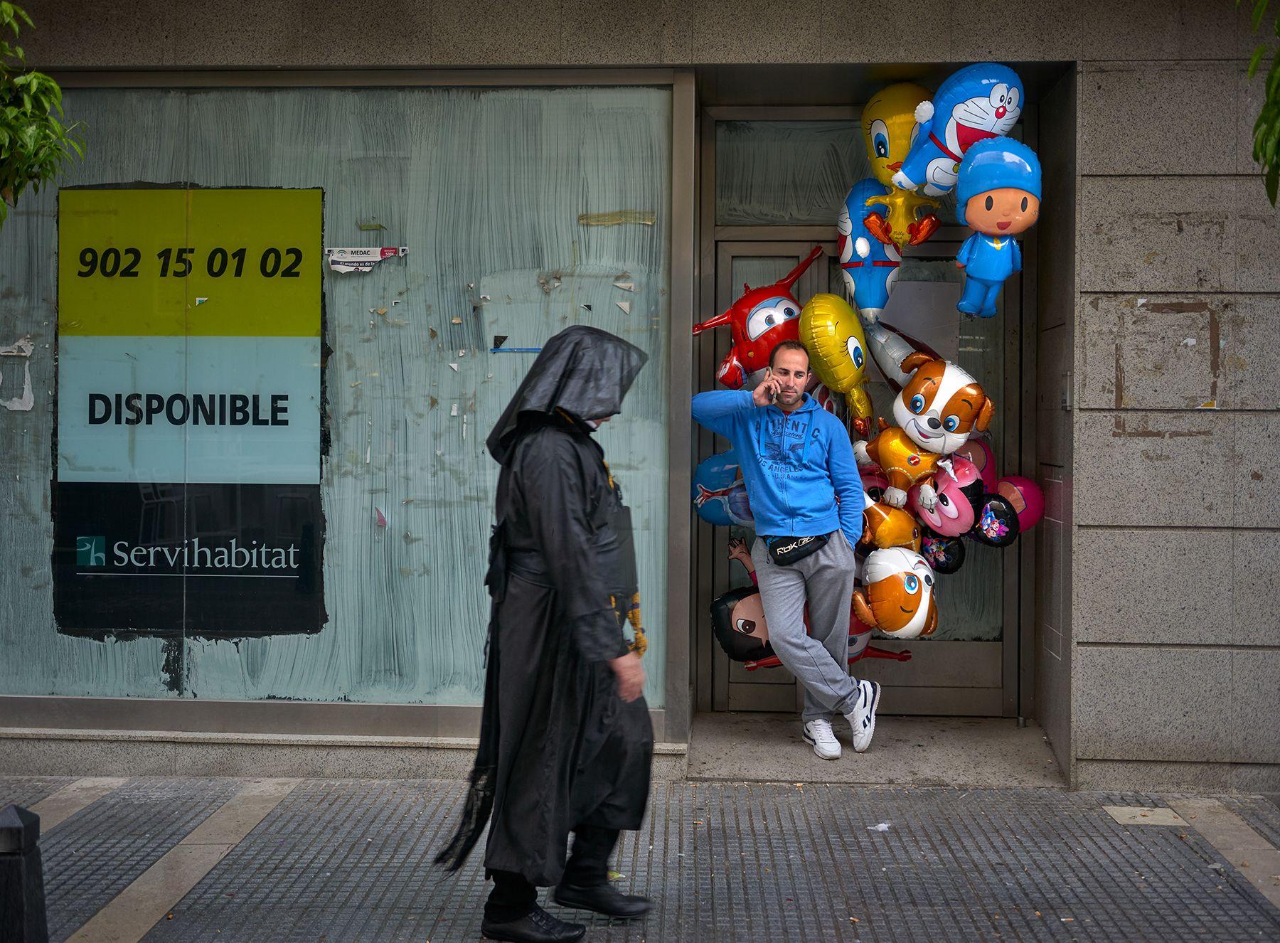 El vendedor de globos en Semana Santa