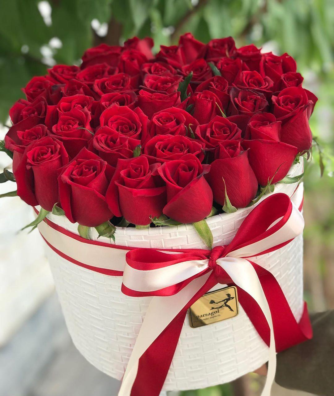 همین امروز با محصولات پارساگل بی بهانه عزیزانتان را سورپرایز کنید ثبت سفارش فقط از طریق لی Happy Birthday Bouquet Birthday Bouquet Flower Delivery