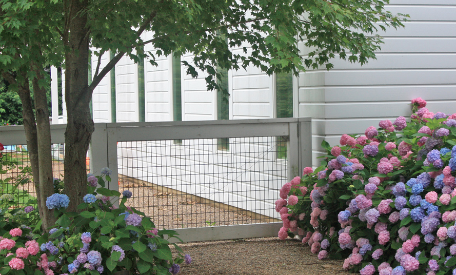 Hardscaping 101 Hog Wire Fence Fence Ideas Hog Wire