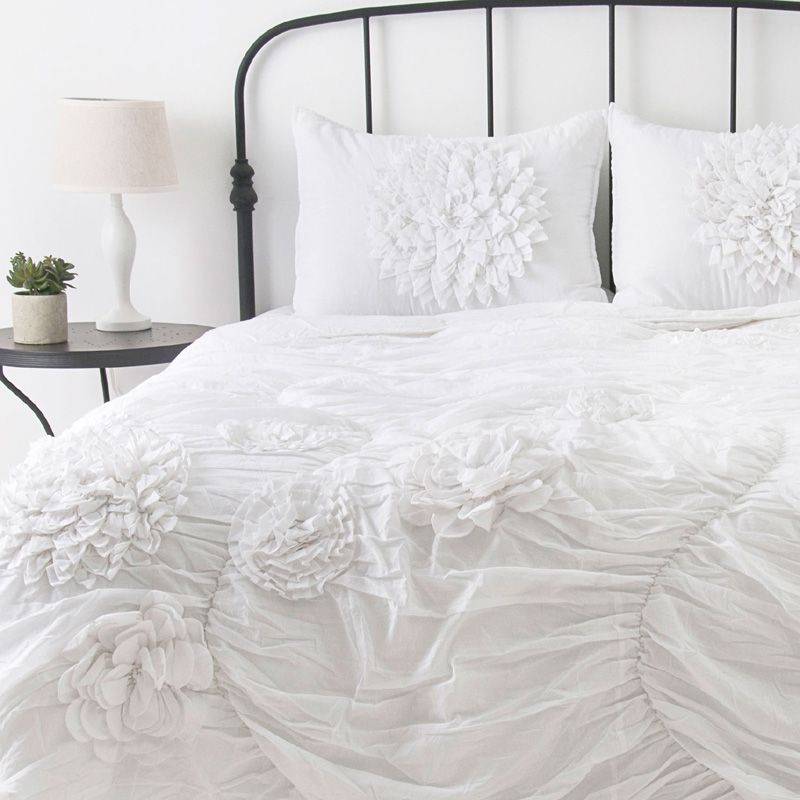 Love a cozy, white comforter. I could just crawl right in ...