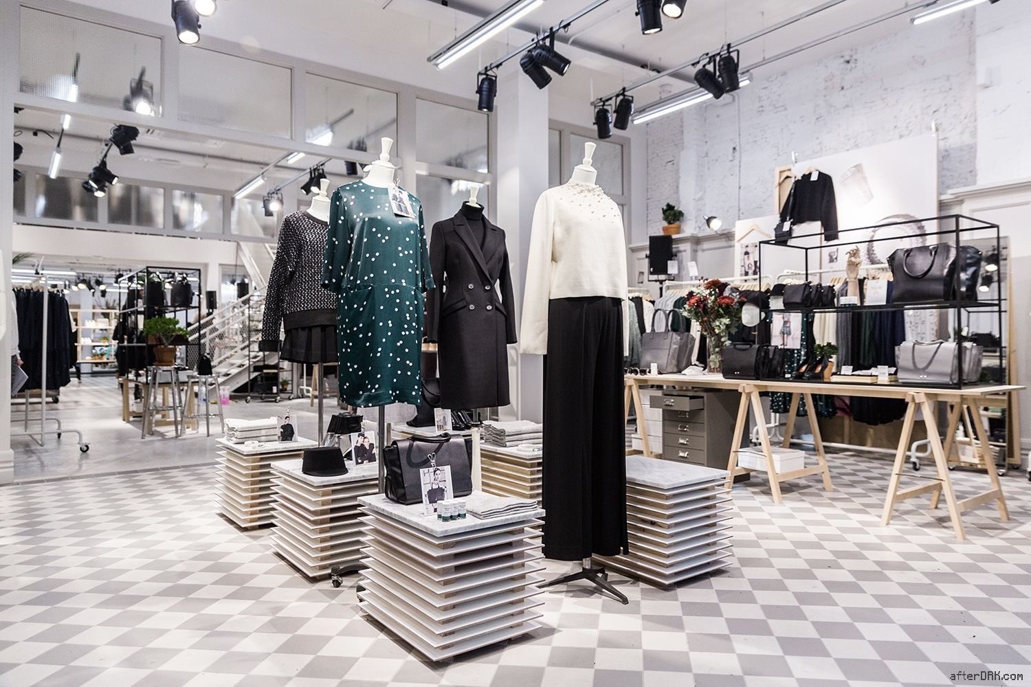AfterDRK / & OTHER STORIES IN AMSTERDAM! // #Fashion
