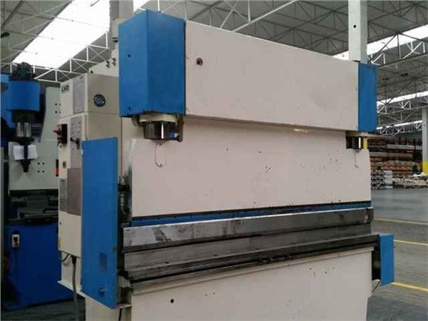 Hydraulic Sheet Bending Machine Hacmpress Press Brake Wc67y 125 3200 In Batam Image Of Hydraulic Sheet Press Brake Machine Hydraulic Press Brake Bend Machine
