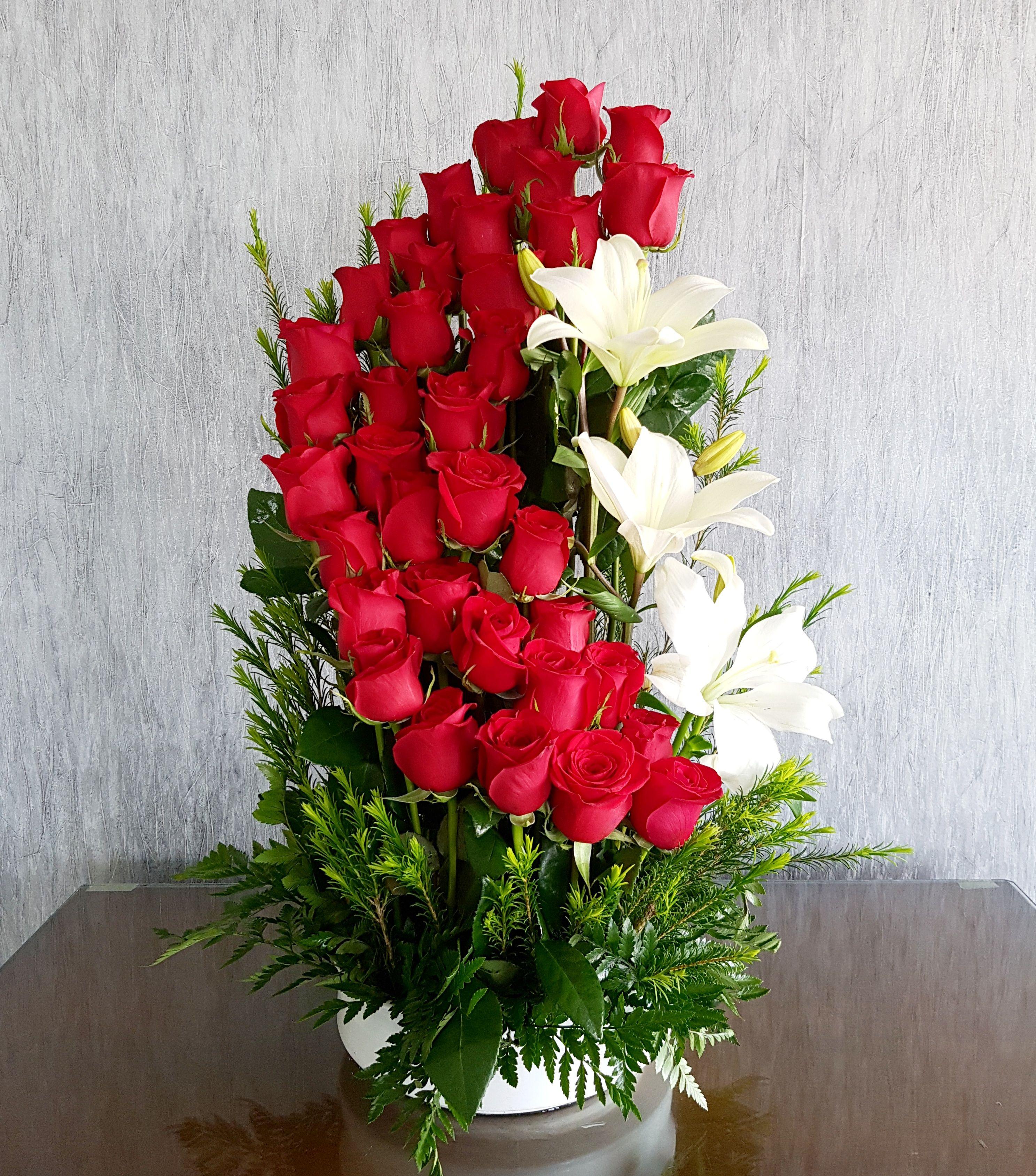 36 Rosas Espiral 119000 Arreglo Floral En Base