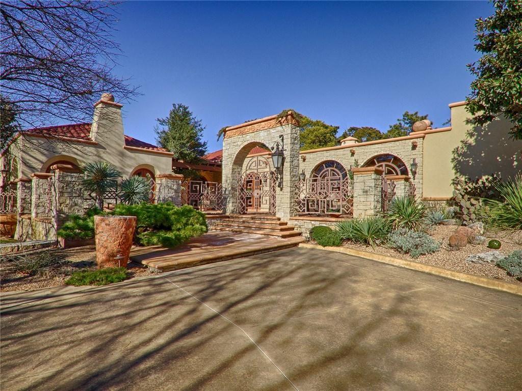 Luxury santa fe style home in nichols hills oklahoma