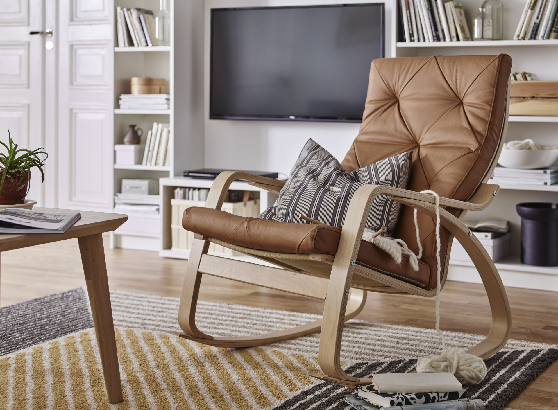 POÄNG Cadeira de baloiço, chapa de faia, Seglora cru ... - Fauteuil Salon Ikea