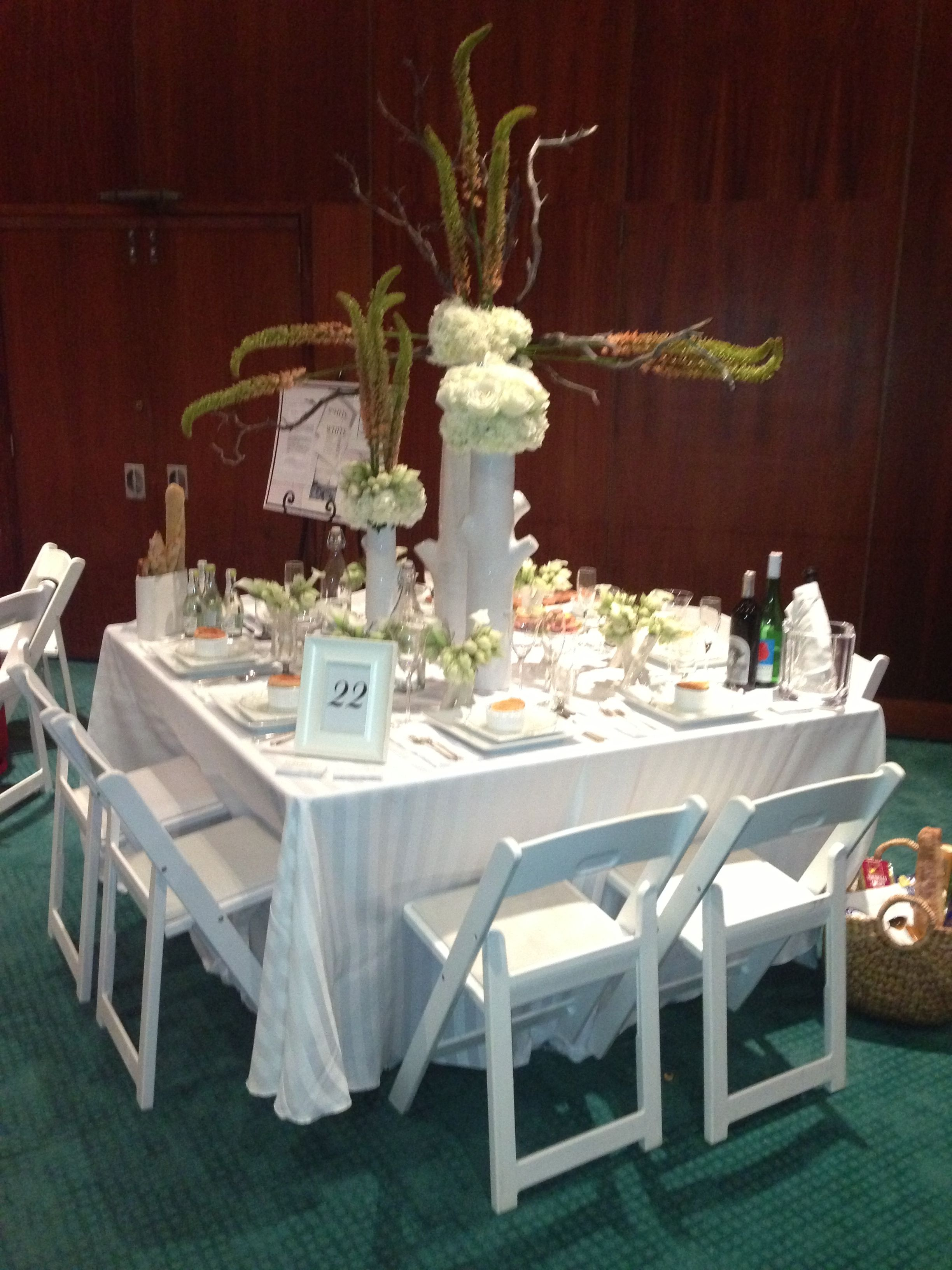 An all white party@signatureeventsbybarbie.com