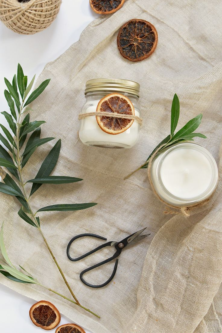 DIY christmas scened candles