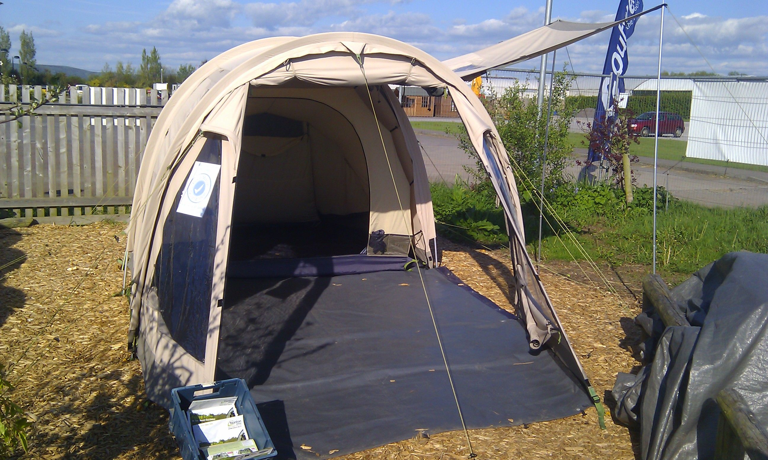 Nomad Masai 2 #tent (With images) | Air tent, Family tent ...