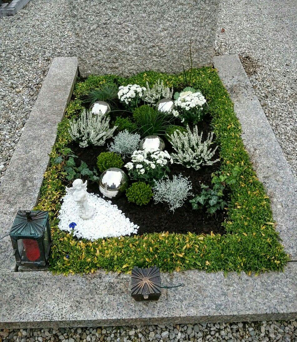 Grabgestaltung Herbst #friedhofsdekorationenallerheiligen