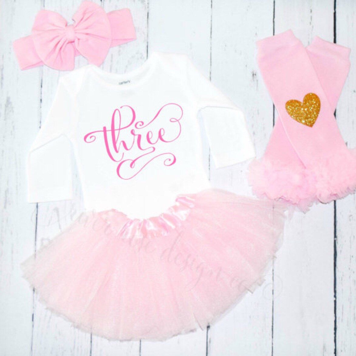 Perfect birthday outfit!!🎀 Birthday outfit, 1st birthday