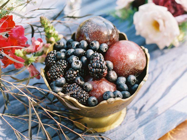 11 Gorgeous Centerpieces With Fruit | Fruits photos, Centerpieces ...