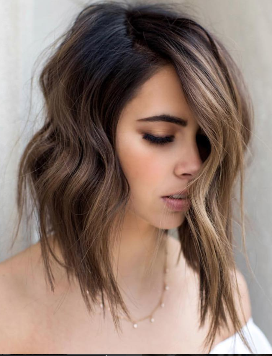 A Bob Hairstyle Looks Amazing In Any Woman It Doesn T Matter If You Re Into Long Or Short Bobs Choppy Bobs Long Bob Haircuts Thick Hair Styles Bob Hairstyles