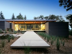 Images - house garden design - Napa Valley house designed by architecture studio Johnson Fain.jpg
