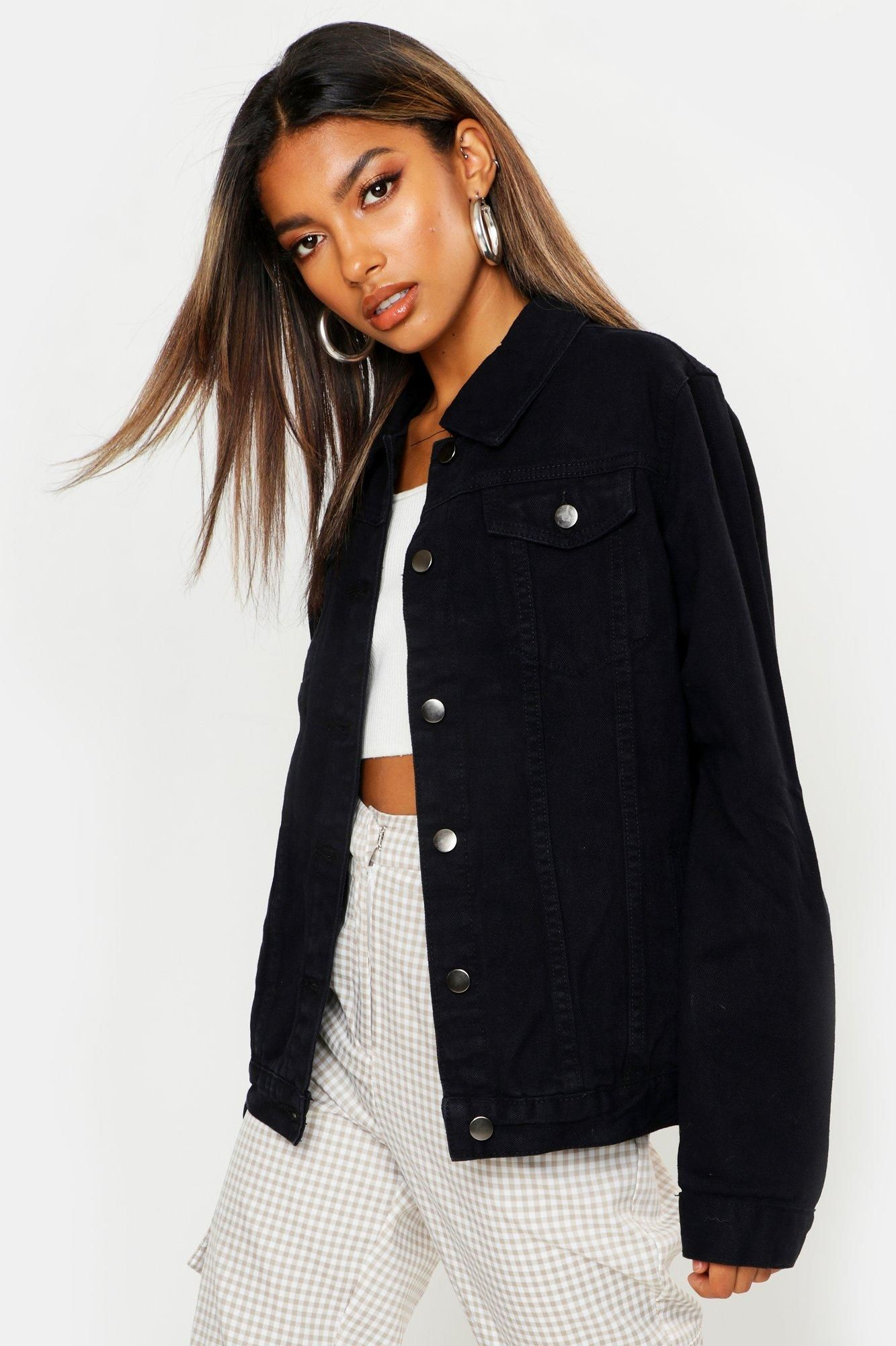 Pin By Chantal On Fashion In 2021 Oversized Black Denim Jacket Black Denim Jacket Black Denim Jacket Outfit [ 2000 x 1333 Pixel ]