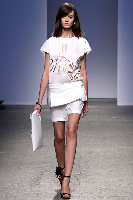 No. 21 Spring 2014 Ready-to-Wear Collection Slideshow on Style.com