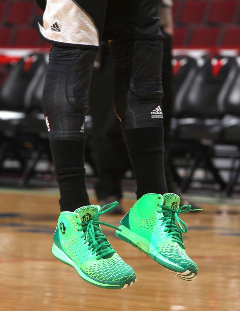 finest selection 8ce04 5d62c Derrick Rose wearing adidas Rose 3.5 St. Patricks Day