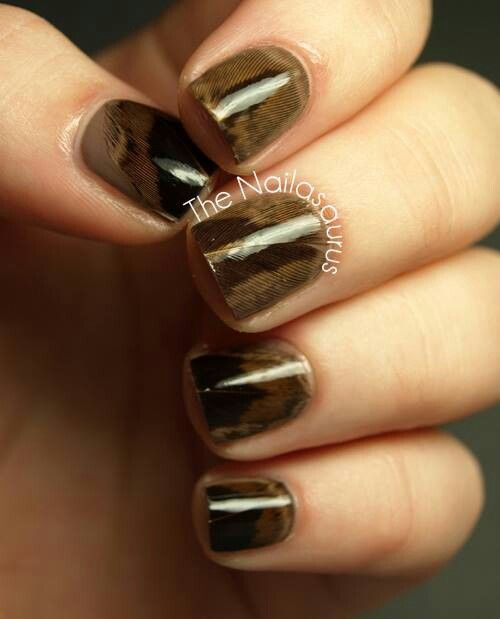 Real Feather Nail Art Tutorial | Feather nail art, Feather ...