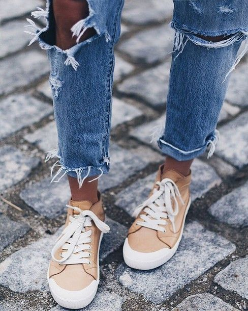 Shoes: nude sneakers sneakers ripped jeans boyfriend jeans casual frayed denim blogger lindsay