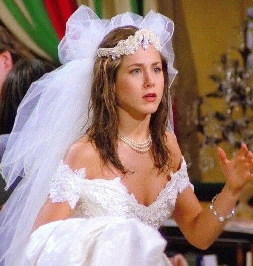 the very first episode :)   clothes   boda, casamento y vestidos