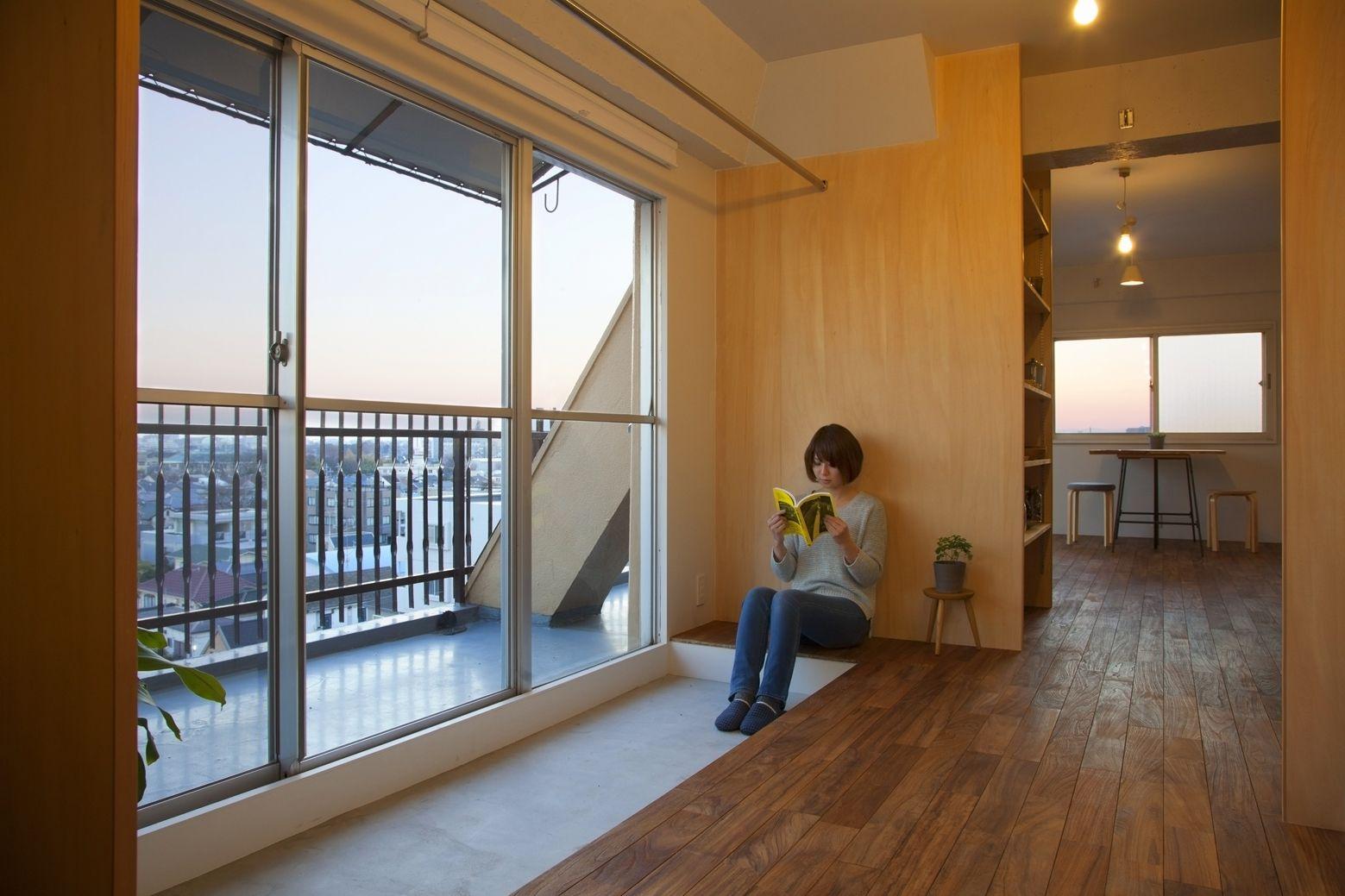 Wing Wall House  Camp Design Inc  Sumosaga Fudosan  Tokyo Japan Delectable Japanese Living Room Design Inspiration