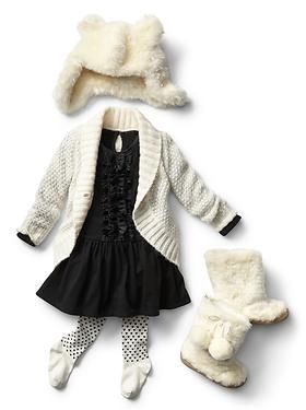 Baby Clothing: Toddler Girl Clothing: Featured Outfits Dresses | Gap