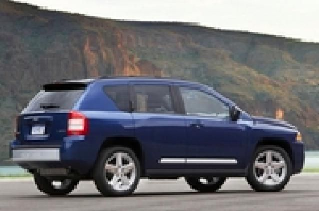 12 Fuel Efficient Suvs And Crossovers Jeep Compass 2010 Jeep Compass Jeep Compass Reviews