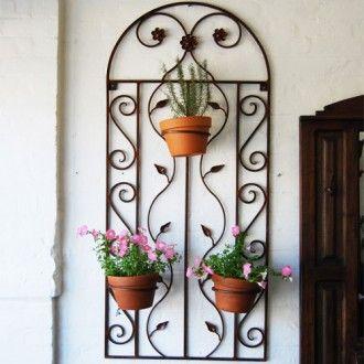 Wrought Iron Wall Decor With Three Pot Holders Decoracion De Pared De Hierro Decoracion En Hierro Maceteros De Pared