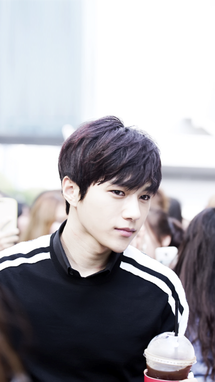 myungsoo wallpaper | Tumblr (With images) | Myungsoo, Kim ...