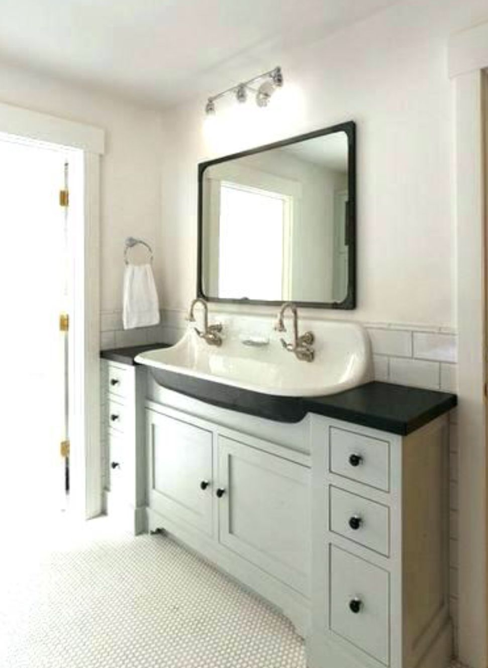 Long And Narrow Bathroom Vanity With Images Narrow Bathroom