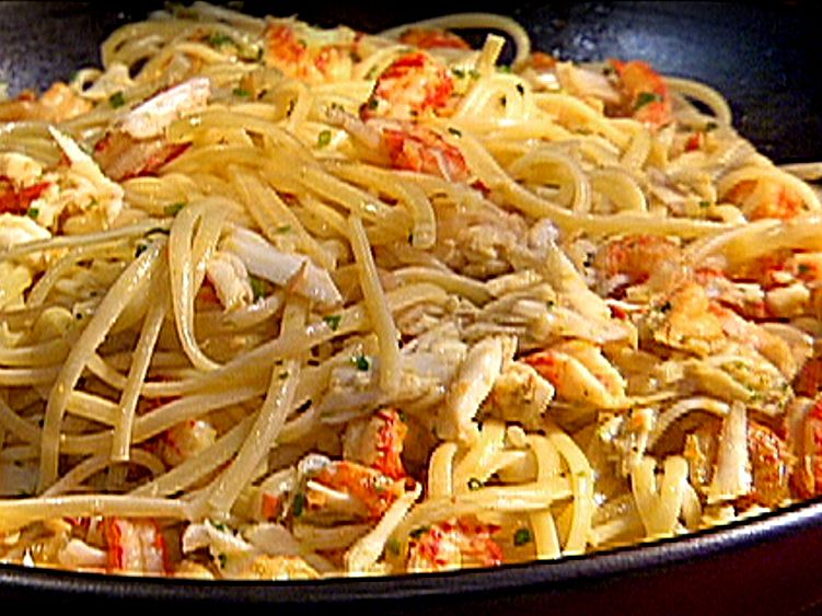 Emerils Hot Crab And Crawfish Pasta Recipe Food Network Crawfish Pasta Recipe Emeril Lagasse Recipes Food Network Recipes