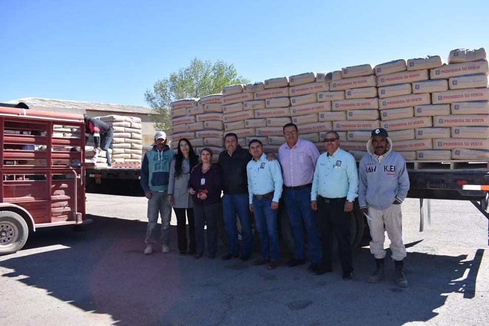En días pasados el alcalde Noel Dolores Loya Lozano, dio continuidad al programa de cemento subsidiado, entregando 40 toneladas en la cabecera municipal...