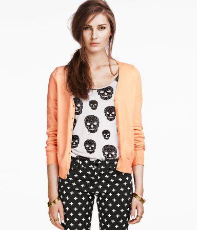 Bright colors + skulls + patterned pants = love!