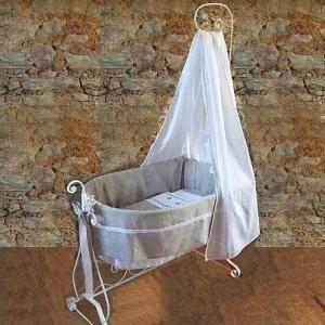 berceau baldaquin forum chambres d 39 enfants marie. Black Bedroom Furniture Sets. Home Design Ideas