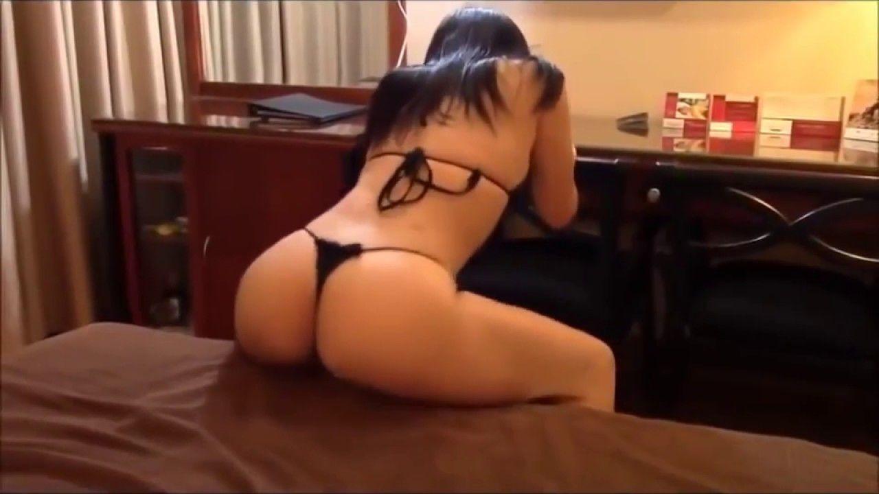 Sexy Girls In Thongs Dancing