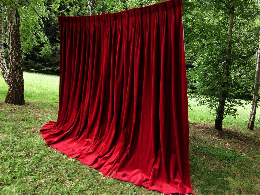 Red Velvet Photo Booth Backdrop For A Touch Of Old World