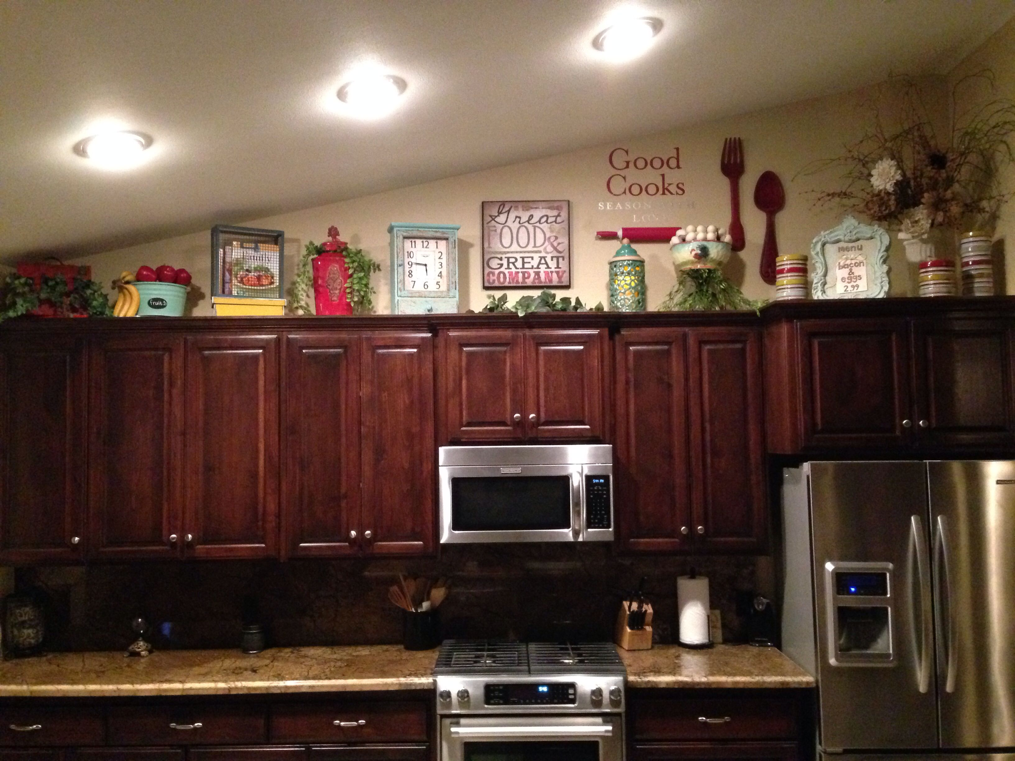 Above kitchen cabinet decor | Home Sweet Home | Pinterest