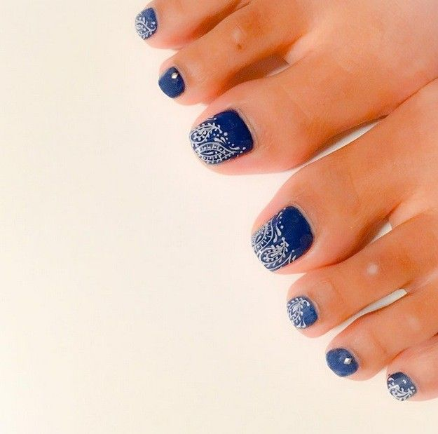 Blue and White   17 Cute Toe Nail Designs You'll Gush About For Days - Cute Toe Nail Designs You'll Gush About For Days Toe Nail