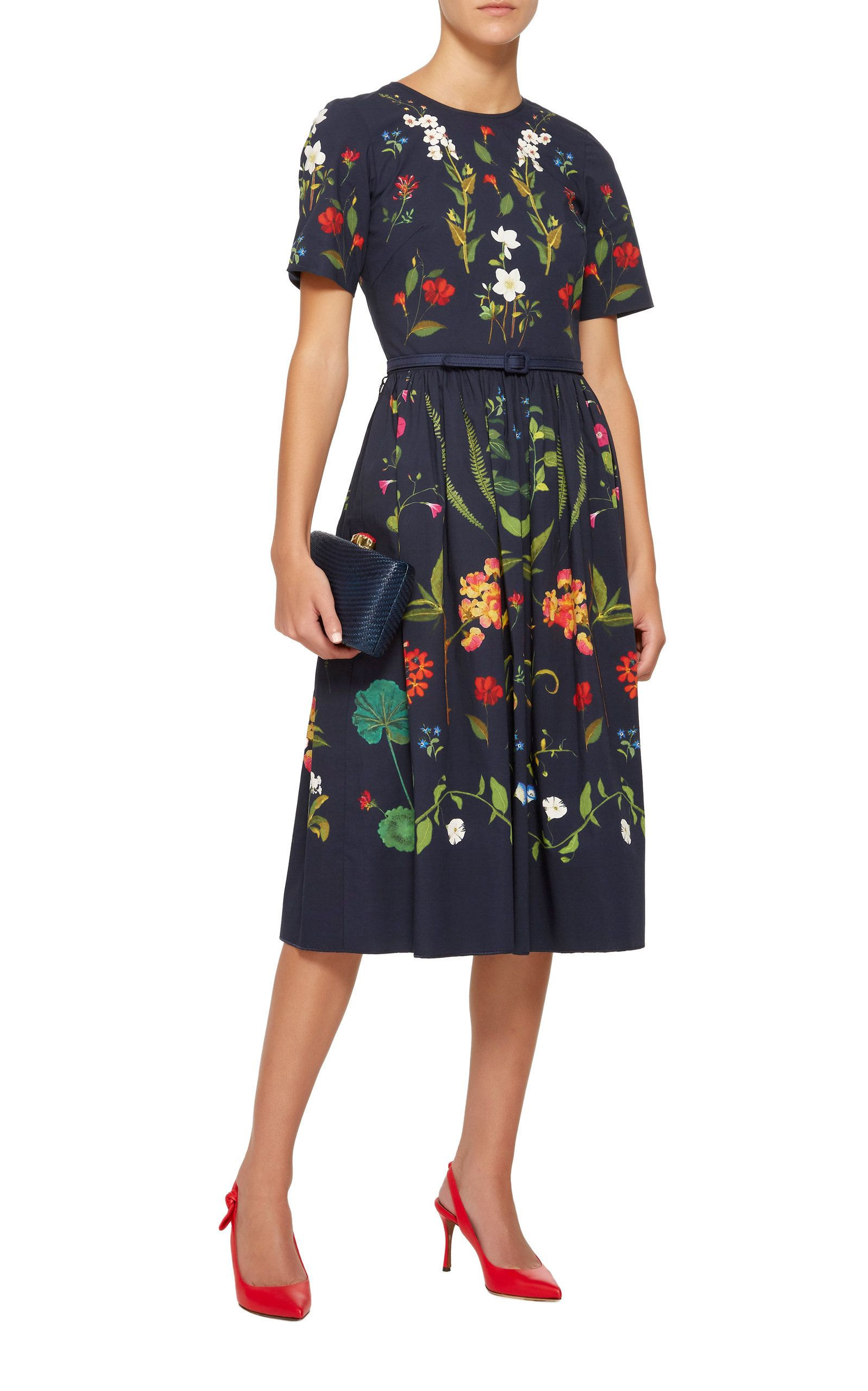 Floral Embroidered Stretch Cotton Midi Dress By Oscar De La Renta Now Available On Moda Operandi In 2021 Floral Dress Outfits Classic Dress Style Clothes For Women [ 2560 x 1598 Pixel ]