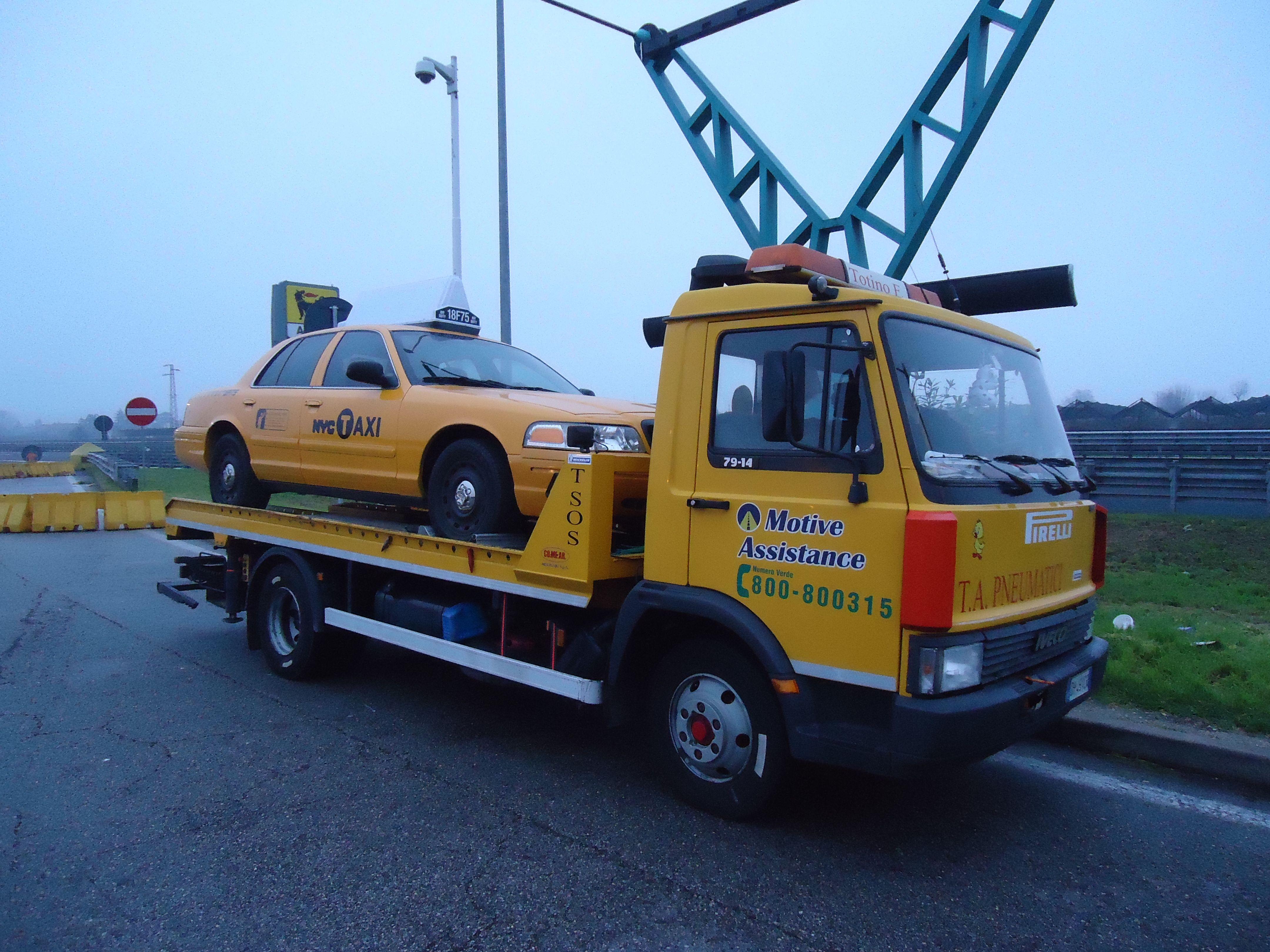 Viaggio Per Roma Con L Amico Totino New York Taxi Taxi Trucks