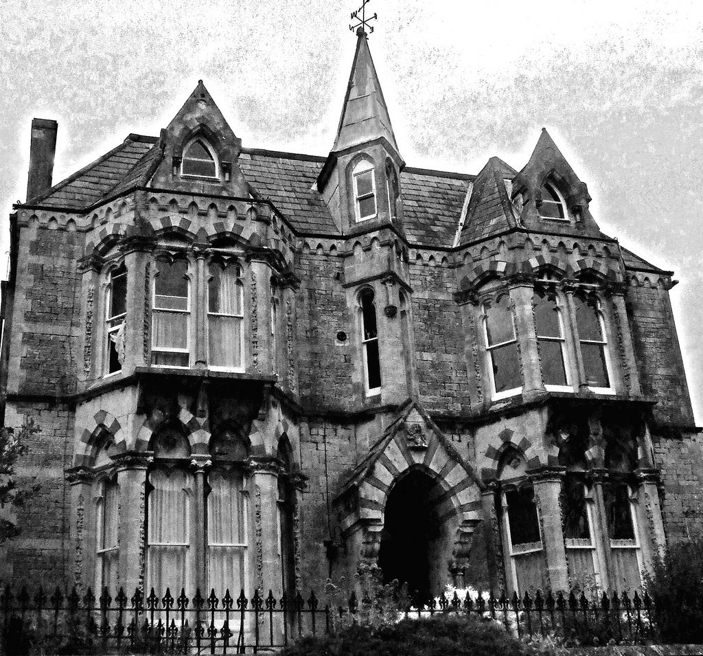The Fall of the House of Usher Ushers, Gothic house and