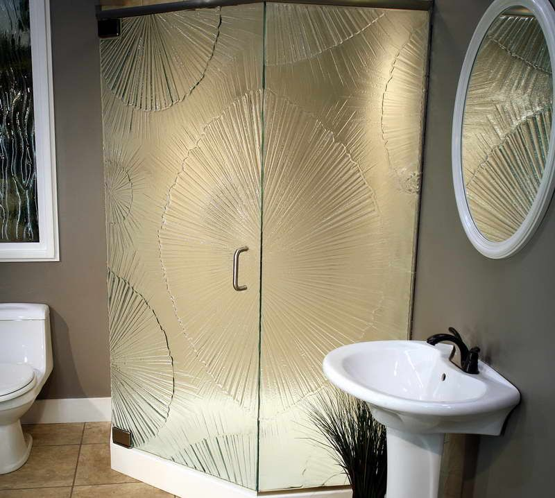 15 Decorative Glass Shower Doors Designs For A Bathroom With