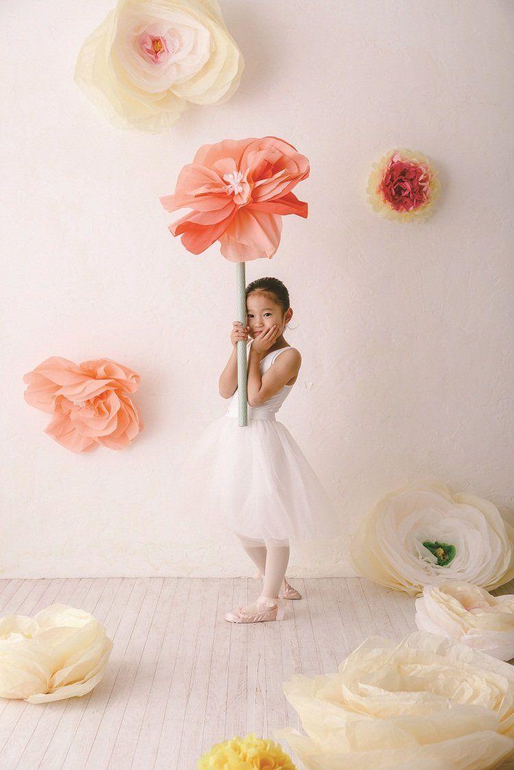 ジャイアントフラワー 大きな紙の花 結婚式 ペーパーフラワー ジャイアントフラワー 作り方