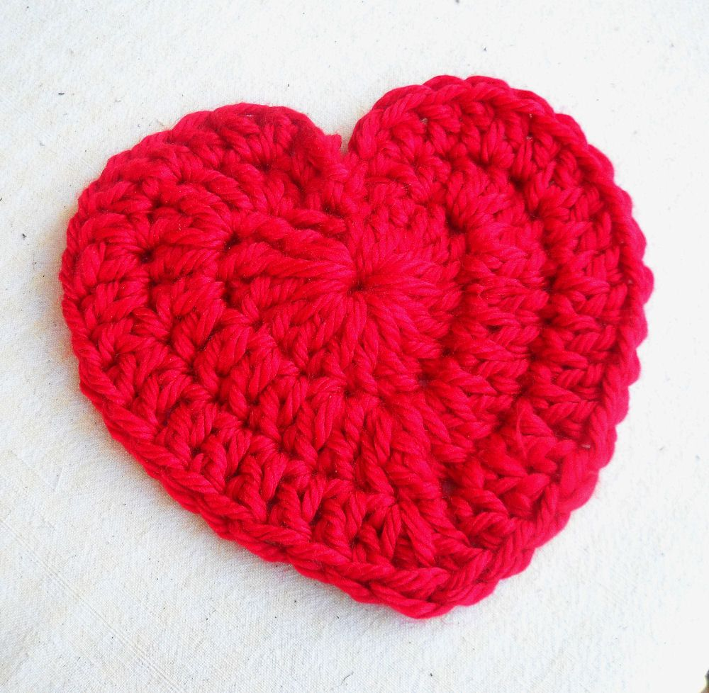 Give someone your heart this Valentines..a large crochet heart! Free ...